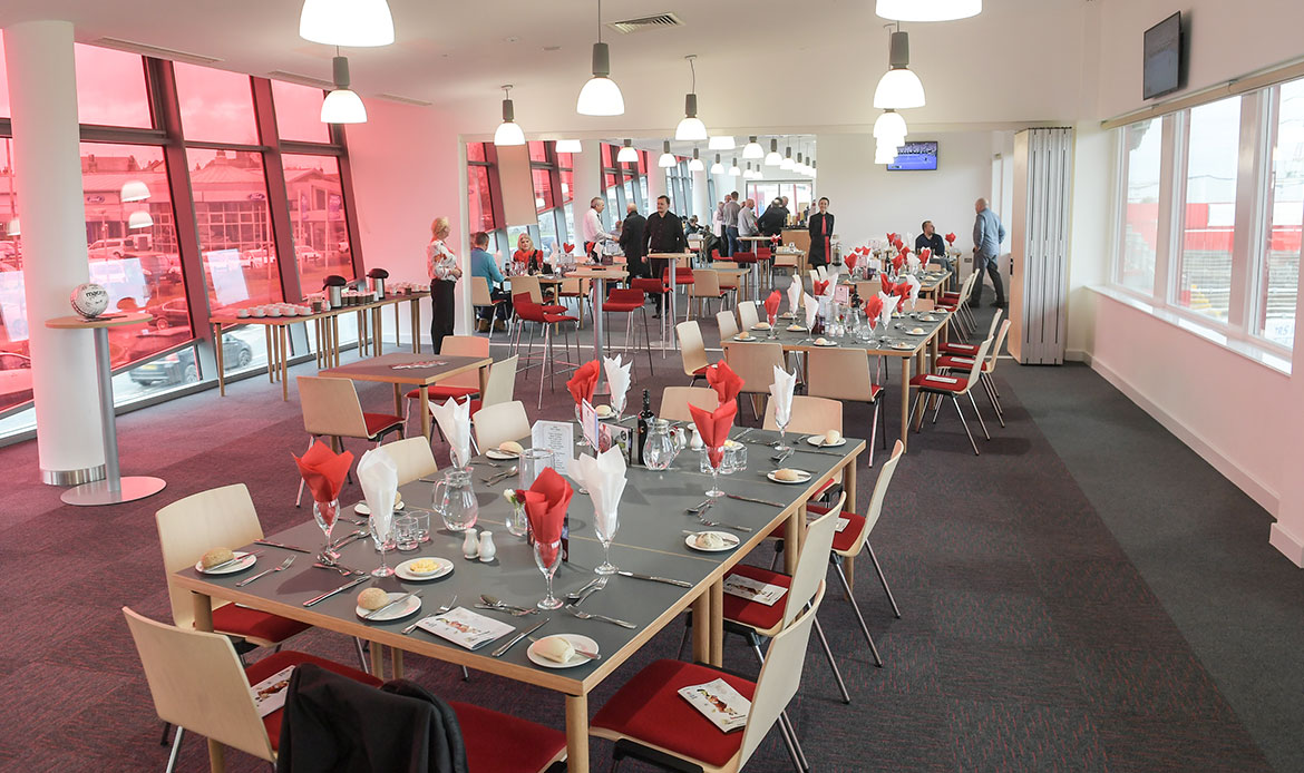 £10 restaurant offer back for Pools clash