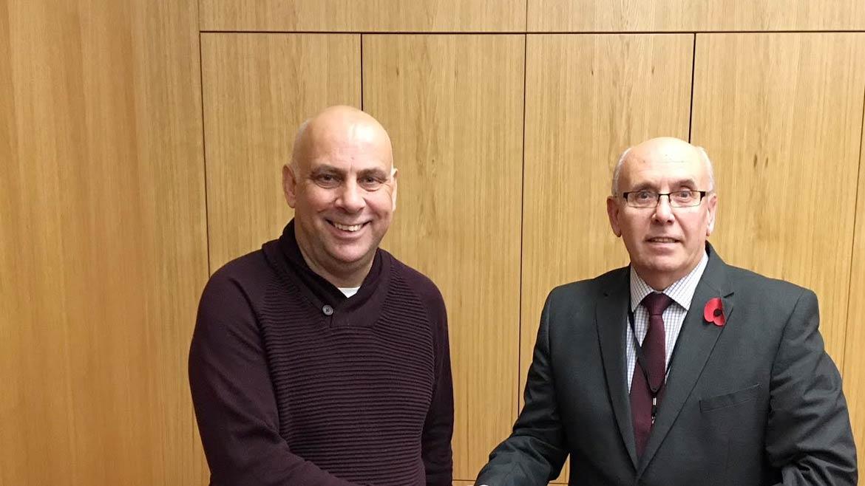 Fleet appoint Garry Hill as new manager