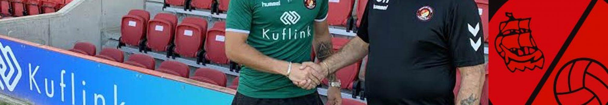 holmes-signing